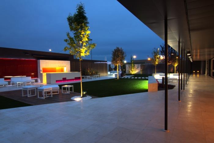 Decoración y diseño de jardines para Salones Mabel
